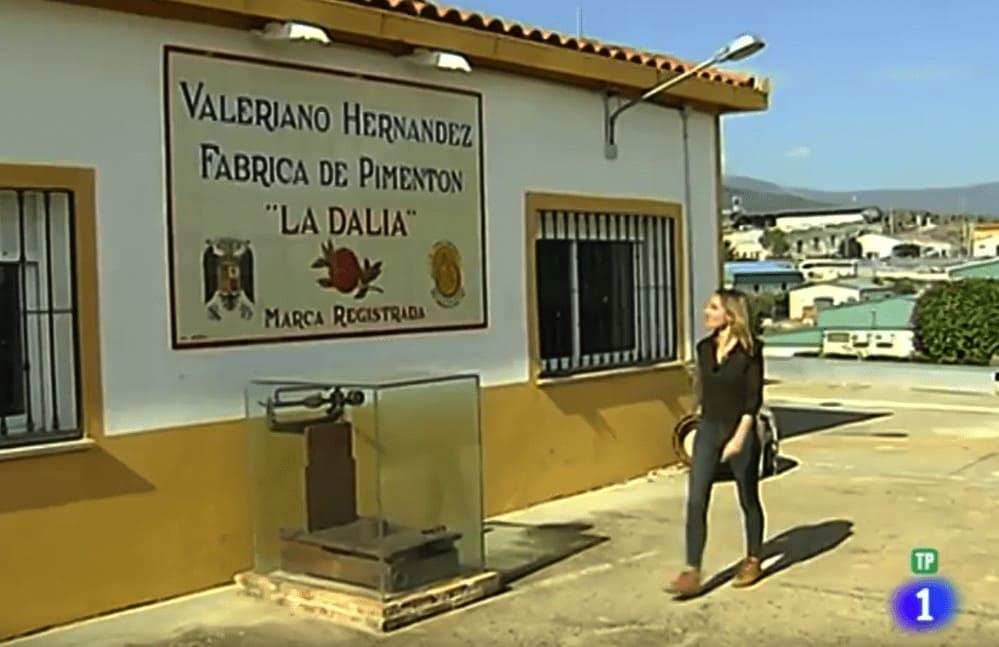 España directo: cómo se hace y se fabrica el Pimentón de La Vera (video)